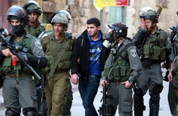 قوات الاحتلال تعتقل مواطنين في القدس وبيت لحم