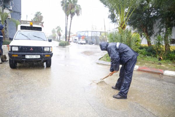 طوارئ بلدية قلقيلية: مستعدين على مدار الساعة لمواجهة المنخفض الجوي