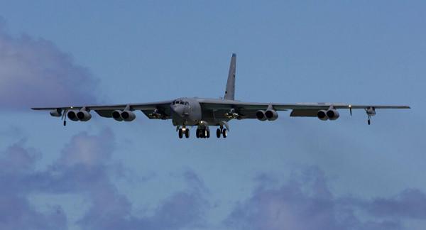 القيادة الأمريكية الوسطى تُعلن إرسال قاذفة من طراز (بي- 52) للشرق الأوسط