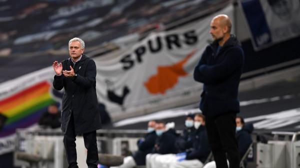 مورينيو يحسم معركته مع غوارديولا ويقود توتنهام لصدارة الدوري الإنجليزي