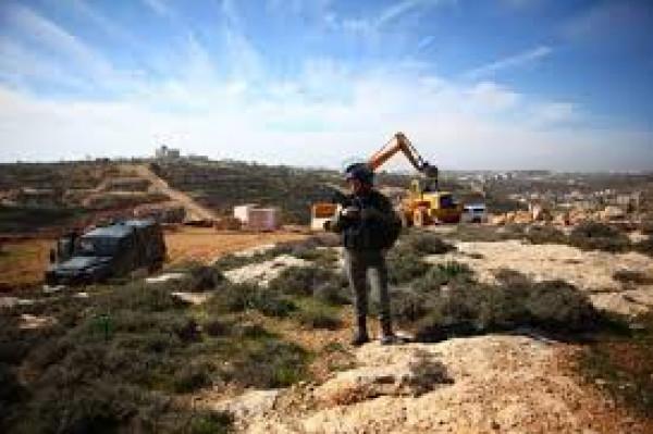 الاحتلال يجرَف أراضي زراعية في طولكرم