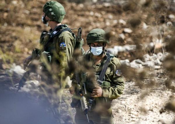 الاحتلال يعثر على عبوتين ناسفتين على مدخل قرية المغير