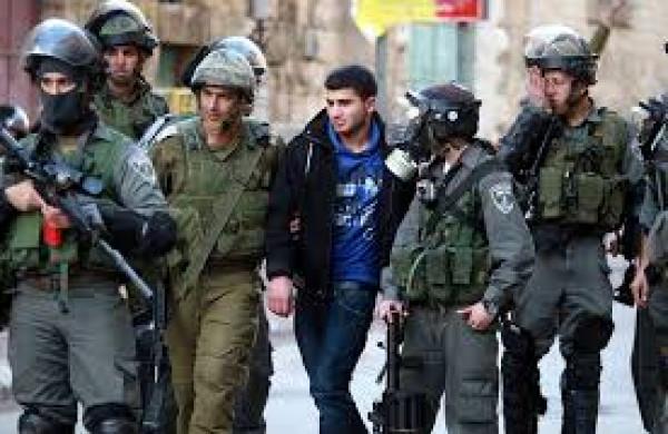 الاحتلال يعتقل خمسة مواطنين من القدس والخليل