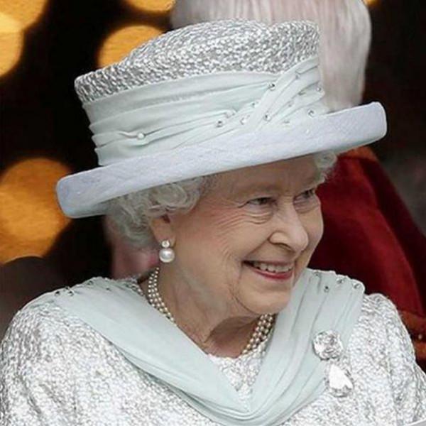 تعرف على سعر (بروش) الملكة إليزا بيث