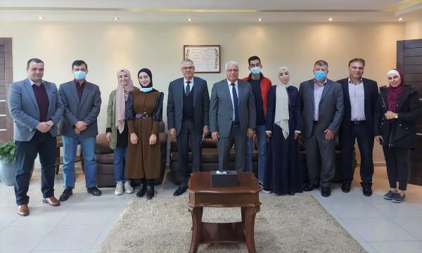 """جامعة بوليتكنك فلسطين تفوز بالمركز الأول في مسابقة """"HEMAHACK2020"""" للأفكار الريادية"""