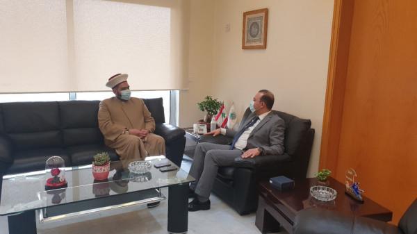 قطان يزور عباس مرتضى في مكتبه في وزارة الزراعة