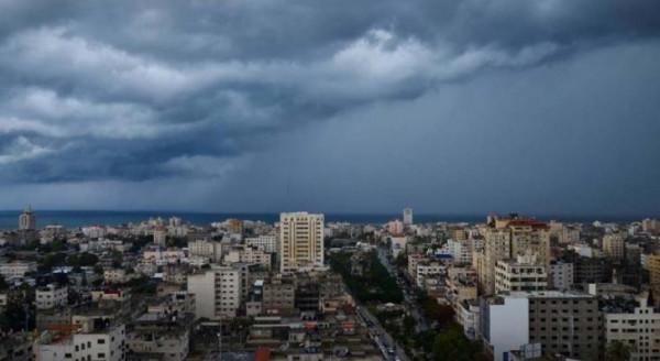 الطقس: فرصة لتساقط أمطار خلال فترات اليوم