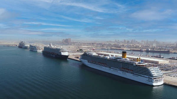 """ميناء راشد يحتفظ بلقب """"ميناء الرحلات البحرية الرائد في العالم"""""""