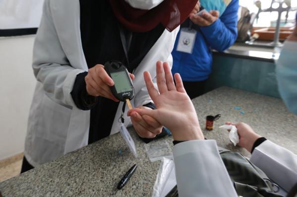 كلية الصيدلة في جامعة الأزهر بغزة تحيي اليوم العالمي لمرضى السكر