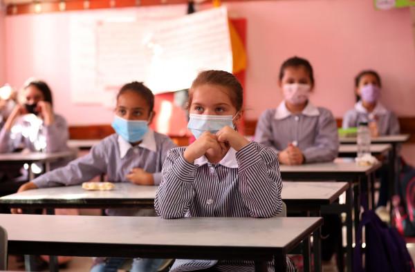 الخليل: تعليق الدوام في خمس مدارس بالمحافظة بسبب تفشي فيروس (كورونا)
