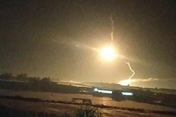 قوات الاحتلال تطلق بالونات إنارة شمال قطاع غزة