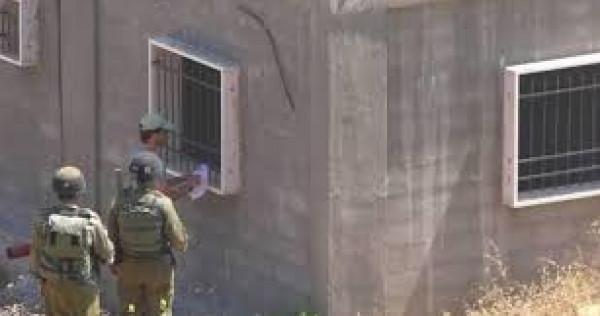 الاحتلال يُخطر بهدم منازل في جنين ويهدم منشآت في قلقيلية