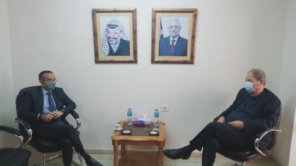 فتوح يُطلع القنصل الإيطالي في فلسطين على آخر التطورات السياسية