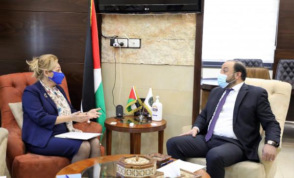 النائب العام يبحث التعاون المشترك مع رئيس بعثة الشرطة الأوروبية لدى فلسطين