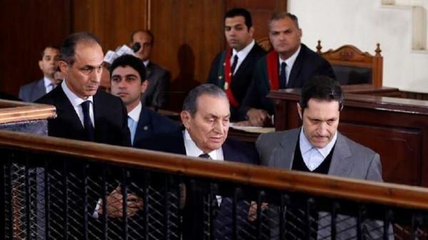 """محكمة العدل الأوروبية تلغي العقوبات على عائلة حسني مبارك بسبب """"خطأ"""" في الإجراءات"""