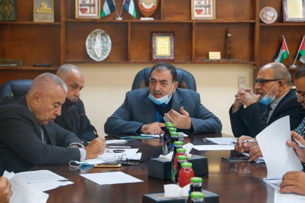 بلدية قلقيلية تعقد ورشة نقاش مع ممثلين من المجتمع المحلي حول مسودة موازنتها