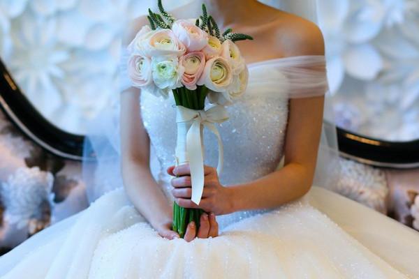 بعد أسبوعين من زواجها..عروسة تتزوج على زوجها وتجمع بينهما