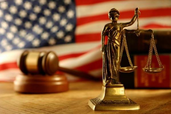 الشرطة الأمريكية تشهد زوراً ضد رجل والقضاء يكشف الفضيحة بعد15عاماً
