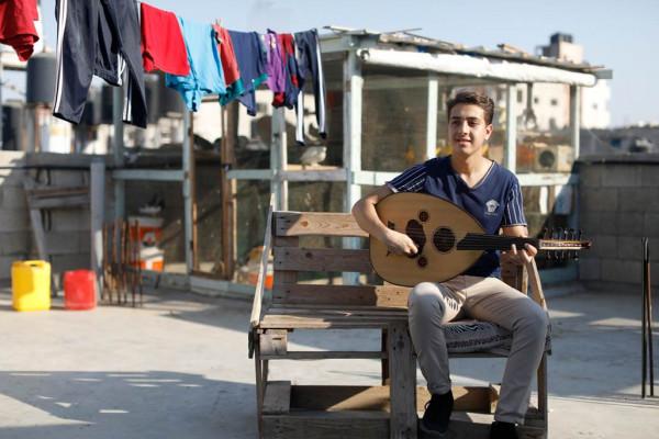 متحدون كشخص واحد.. شباب لاجئي فلسطين يطلقون أغنية أمل وتصميم