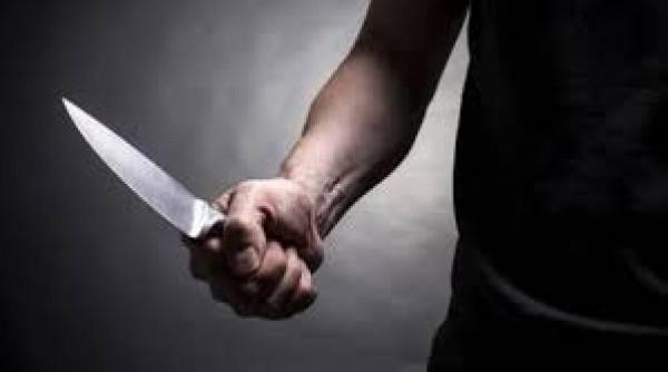 رجل يقتل زوجته ويدخن سيجارة بانتظار الشرطة