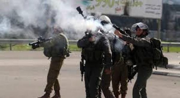 مواجهات مع قوات الاحتلال في بلدة بيت أمر