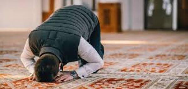 علي جمعة يوضح (18) ركنًا للصلاة تعرف عليها
