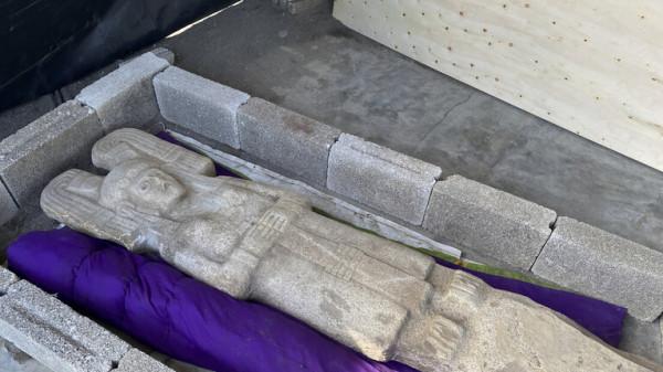 شاهد: مكسيكيون يعثرون على تمثال نسائي نادر بخصائص فريدة