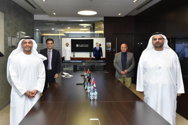 حديد الإمارات وجامعة خليفة توقعان مذكرة تفاهم لتعزيز التعاون بمجالات البحث والتطوير