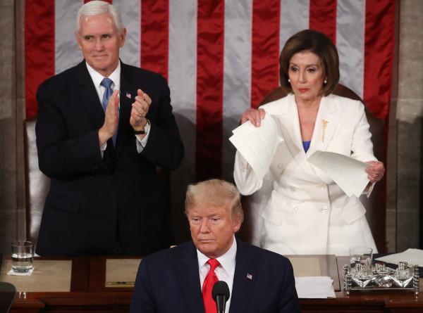 مجلس النواب الأمريكي يناقش تشريعاً لعزل ترامب.. وبيلوسي: عليه الرحيل كونه يمثل تهديداً للبلاد