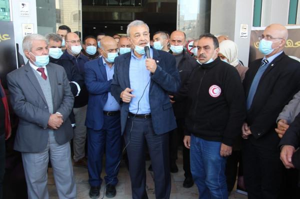 رئيس جمعية الهلال الأحمر يزور قطاع غزة ويفتتح عدداً من المنشآت الصحية والتأهيلية