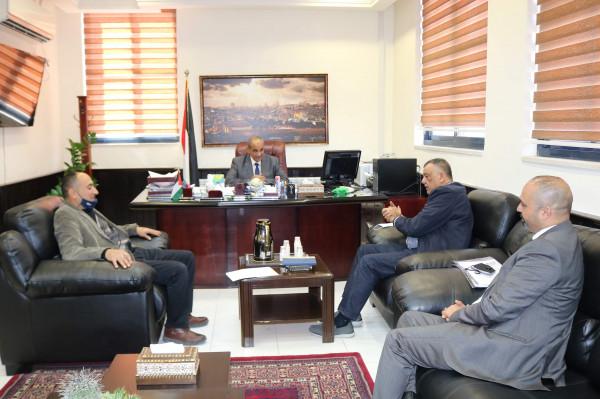 وزير الأشغال يبحث مع اتحاد المقاولين سبل تعزيز التعاون المشترك