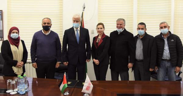 """""""التربية"""" والتعاون توقعان مذكرة تفاهم لدعم قطاع التعليم في القدس"""