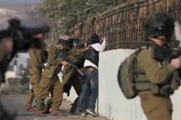 الاحتلال يعتقل ثلاثة شبان في القدس ونابلس