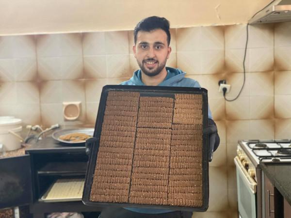 بسكويت الخريج محمود الذي تحدى به البطالة