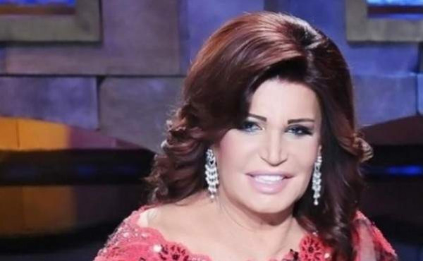 شاهد: أحدث ظهور للراقصة نجوى فؤاد.. بملامحها الصادمة
