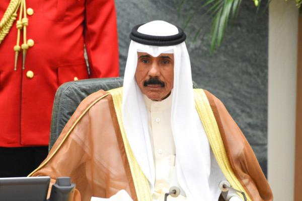 أمير الكويت يقبل استقالة الحكومة ويكلفها بتصريف الأعمال لحين التشكيل الجديد