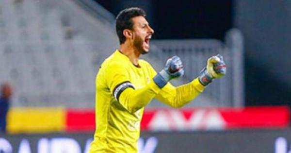 إيقاف حارس الأهلي محمد الشناوي 4 مباريات وتغريمه 20 ألف جنيه