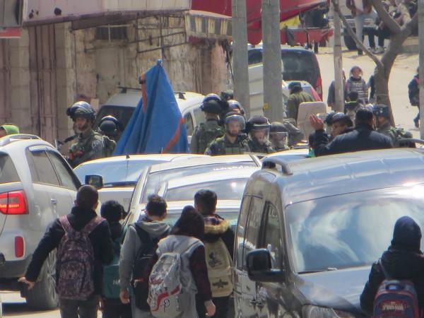 نابلس: قوات الاحتلال تحتجز طالبين من اللبن الشرقية أثناء توجههما للمدرسة