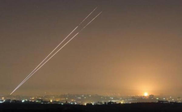 شاهد: إطلاق صاروخ من قطاع غزة سقط بمنطقة مفتوحة في مستوطات الغلاف