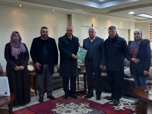 جامعة بوليتكنك فلسطين تستقبل وفداً من لجنة اعمار الخليل