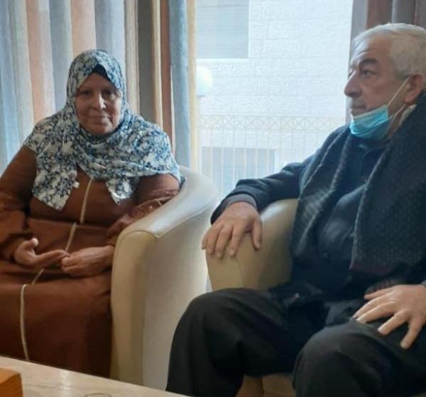 خلال لقائه والدة فارس عودة.. العالول: إرادة شعبنا ستصنع الانتصار على الاحتلال