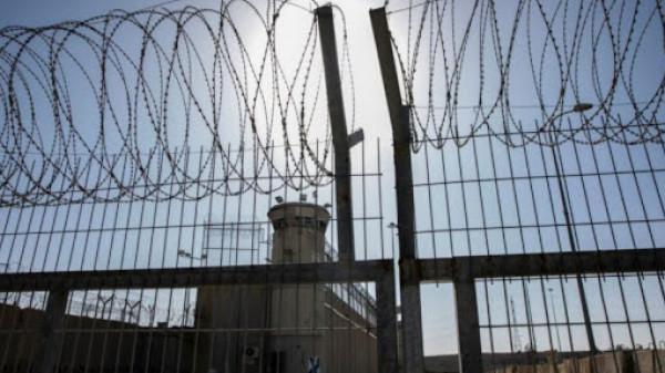 الاحتلال ينقل الأسير مهران عياد من مستشفى (سوروكا) إلى عيادة الرملة