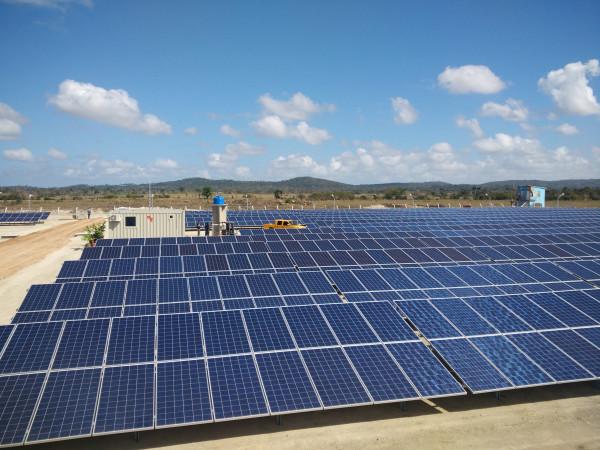 صندوق أبوظبي للتنمية يمول 90 مشروعاً بقطاع الطاقة المتجددة بقيمة اجمالية 4.7 مليار درهم