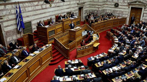 """برلماني يوناني: السياسة """"الكولنيالية"""" لحكومات إسرائيل تشكل عائقاً أمام إقامة الدولة الفلسطينية"""