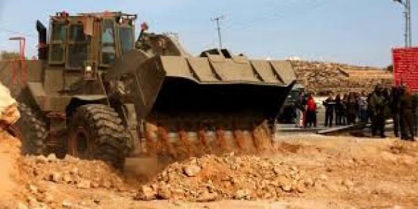 الاحتلال يواصل تجريف أراضٍ لصالح مستوطنة شرق اللبن الشرقية
