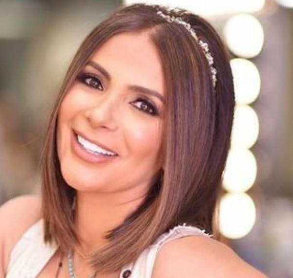 """شقيقة سعاد حسني تشن هجوماً لاذعاً على منى زكي وتصفها بـ""""المغيَّبة"""""""