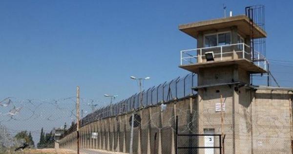 """نادي الأسير: 38 إصابة جديدة بـ(كورونا) بين الأسرى بسجن """"ريمون"""""""
