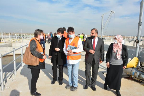 """وفد من UNDP يزور محطة معالجة مياه الصرف الصحي """"صوفا"""" شرق خانيونس"""