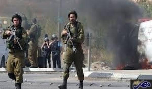 الاحتلال يعتقل 4 شبان من بلدة حزما شمال شرق القدس