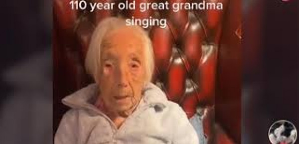 شاهد: نجمة (تيك توك).. عجوز عمرها 110 أعوام تثير الدهشة